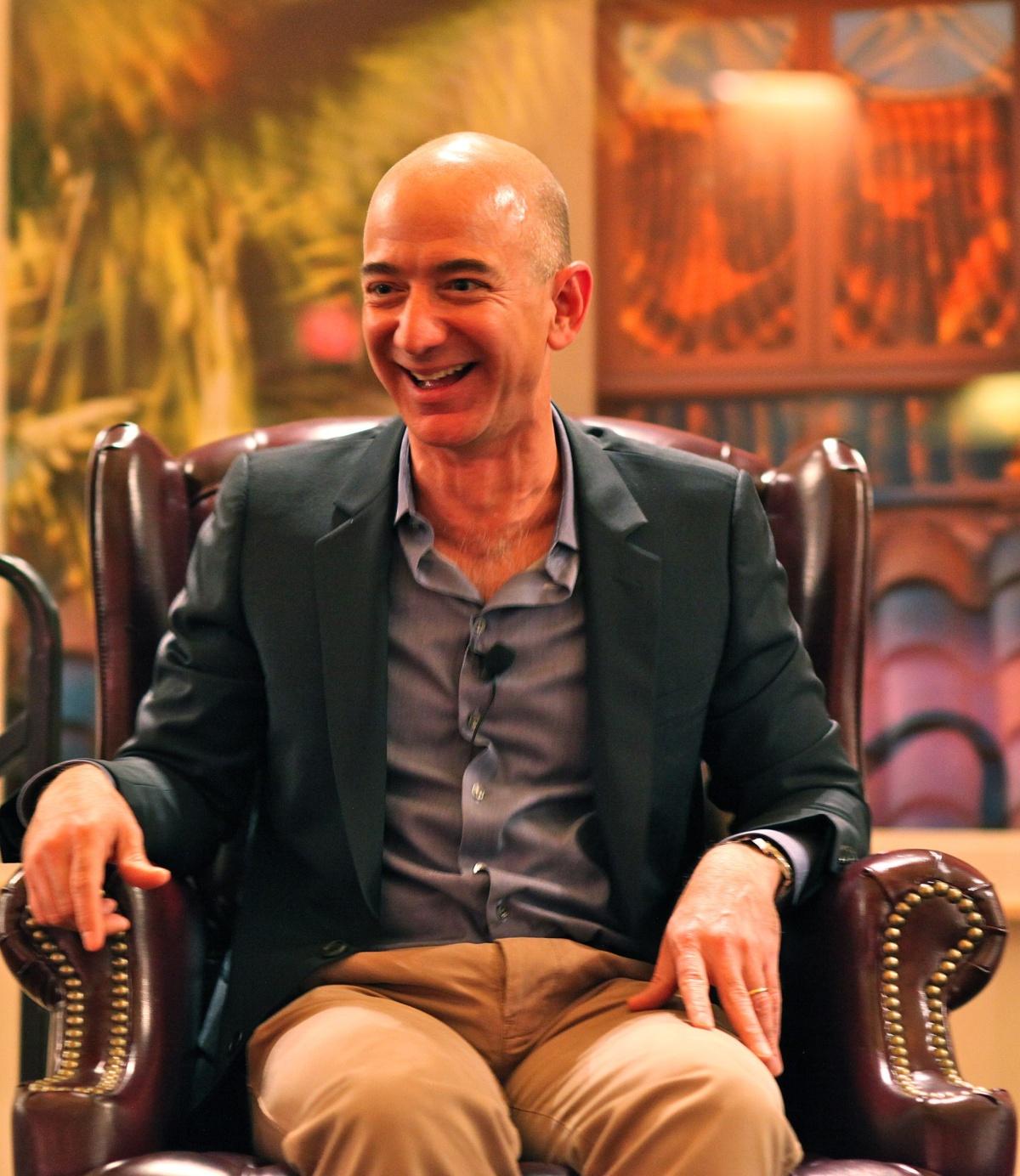 Wie reich ist Jeff Bezos? 8 Dinge, die ...